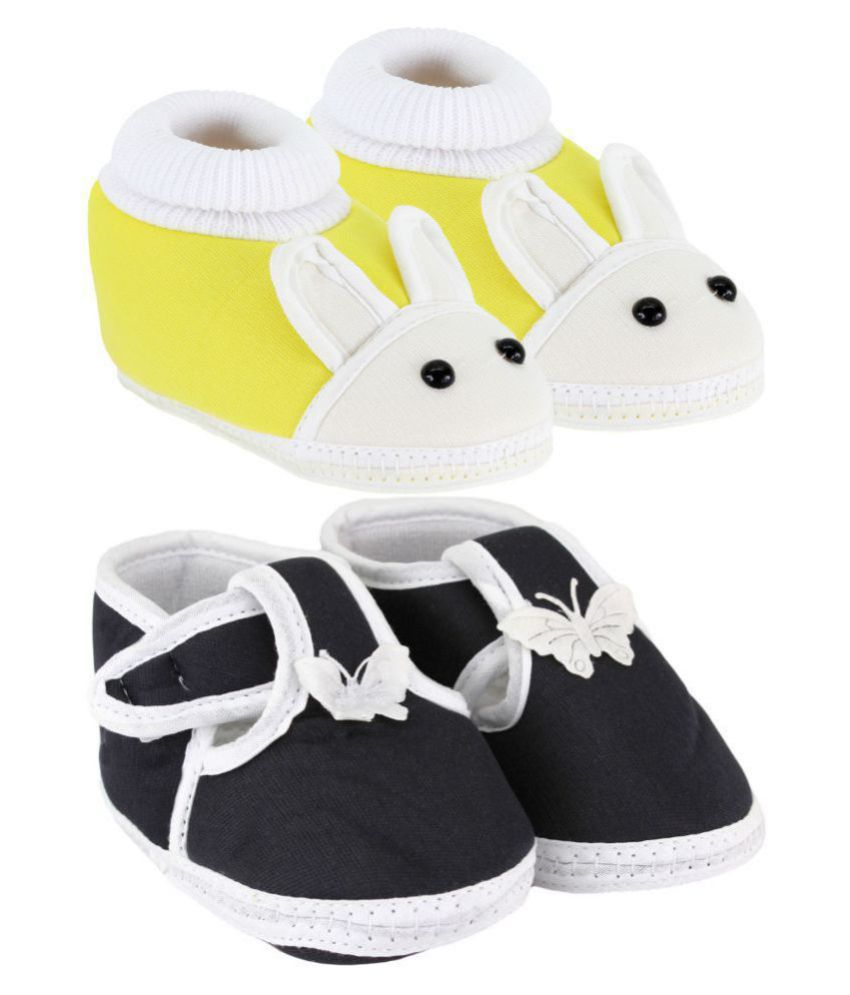 Neska Moda Pack Of 2 Baby Boys & Girls Yellow And Black Cotton Booties For 0 To 12 Months