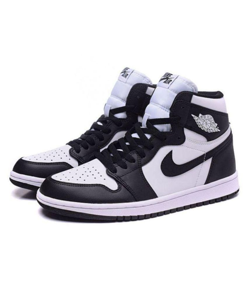 quality design 3151c 51c47 Nike JORDAN RETRO 1 Black Basketball Shoes