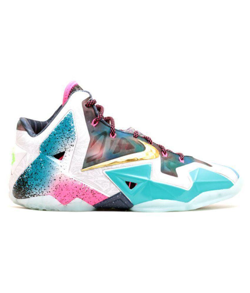 ccc172dff475 Nike LEBRON 11