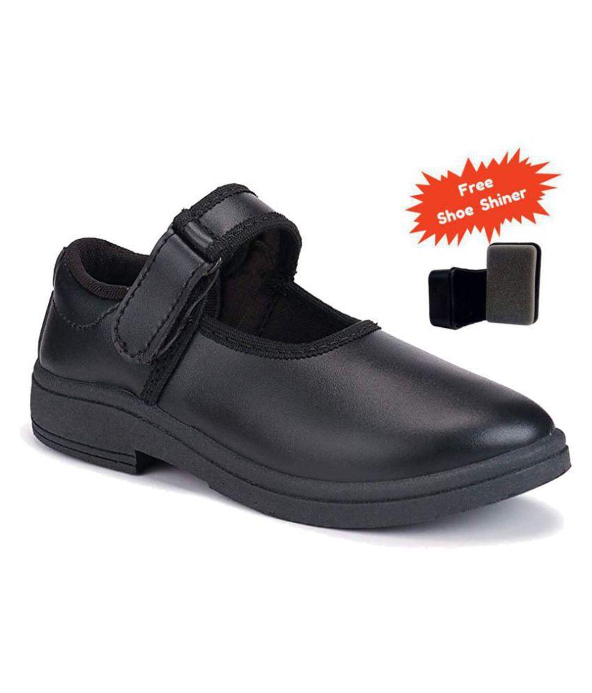 Black School Shoe for Girls With Vellcro.