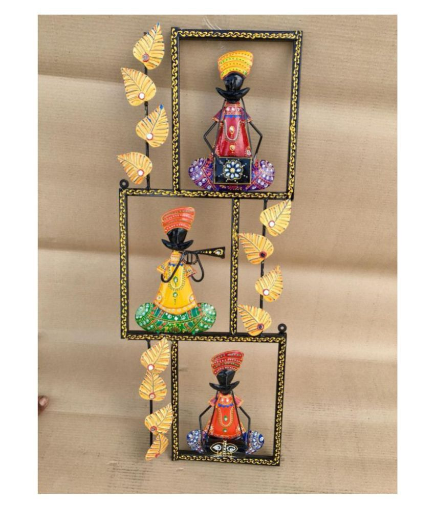 Wall Hanging Iron ANITHA DECORS MALE MUSICAL DOLLS Wall Sculpture Assorted - Pack of 1