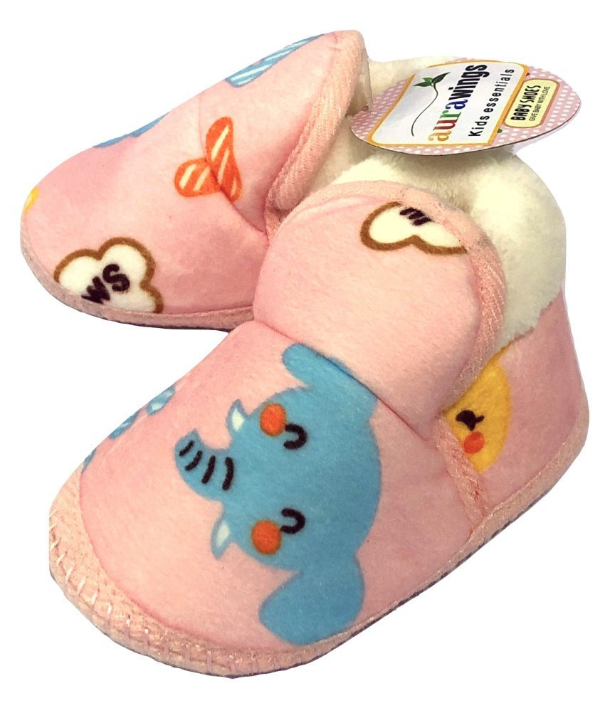 Aurawings.in Soft and Comfortable booties/fur shoes for Infants/New Born (Pink)