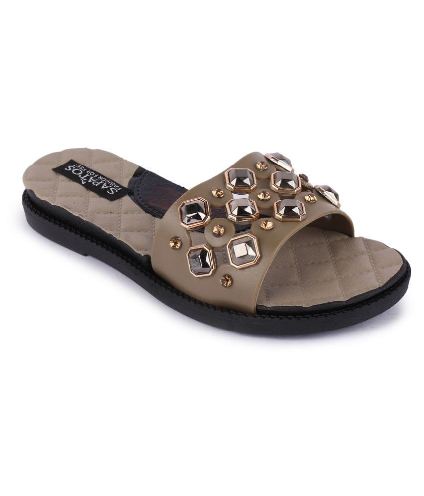 Sapatos Beige Slippers