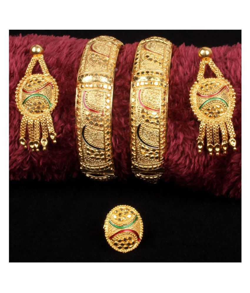 Piah Shapely Traditional One Gram Gold\nOriginal Style Srew Operable \nTwo Board Hand Made\nTwo Bangles For Woman