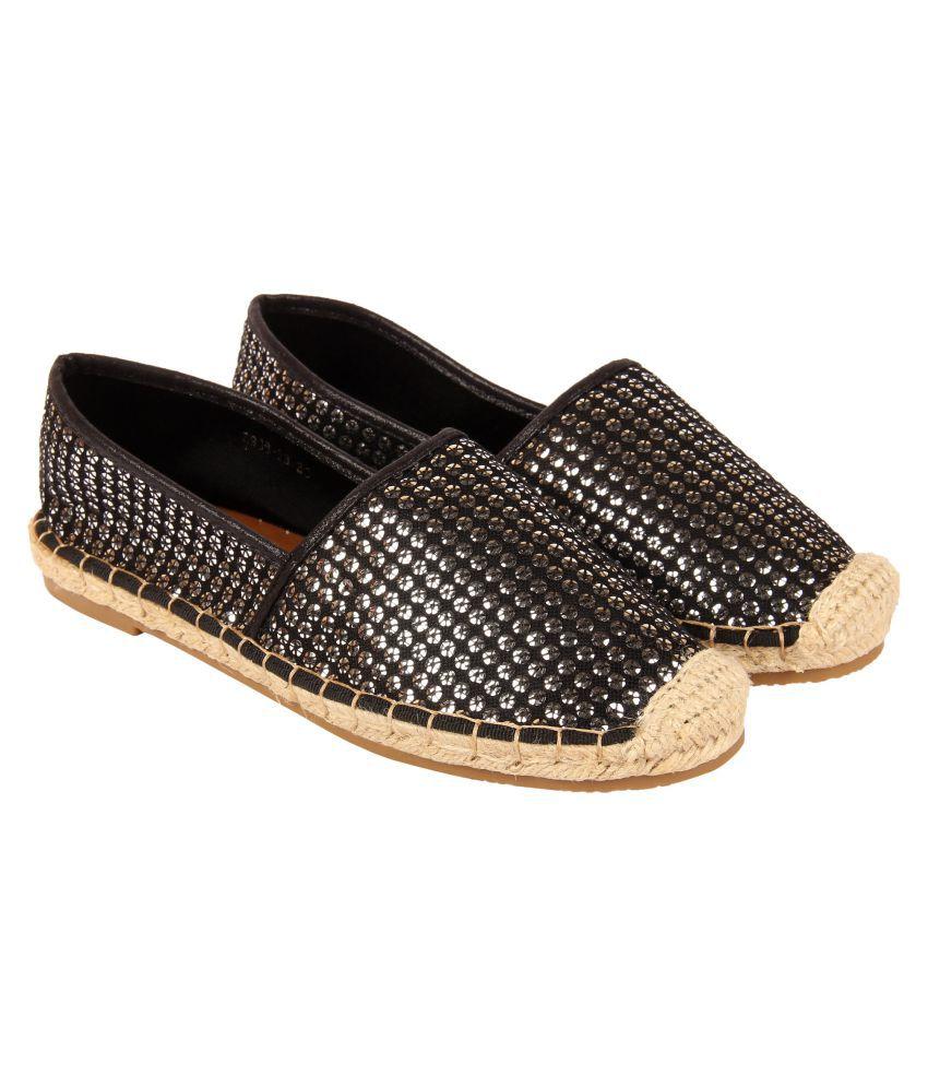 D SHOE LOUNGE Black Casual Shoes