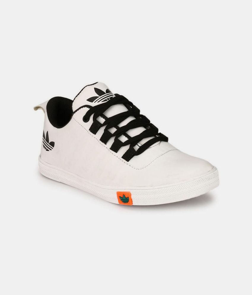 c9edad3ad15 Big Fox Men s Sneakers White Casual Shoes - Buy Big Fox Men s Sneakers  White Casual Shoes Online at Best Prices in India on Snapdeal