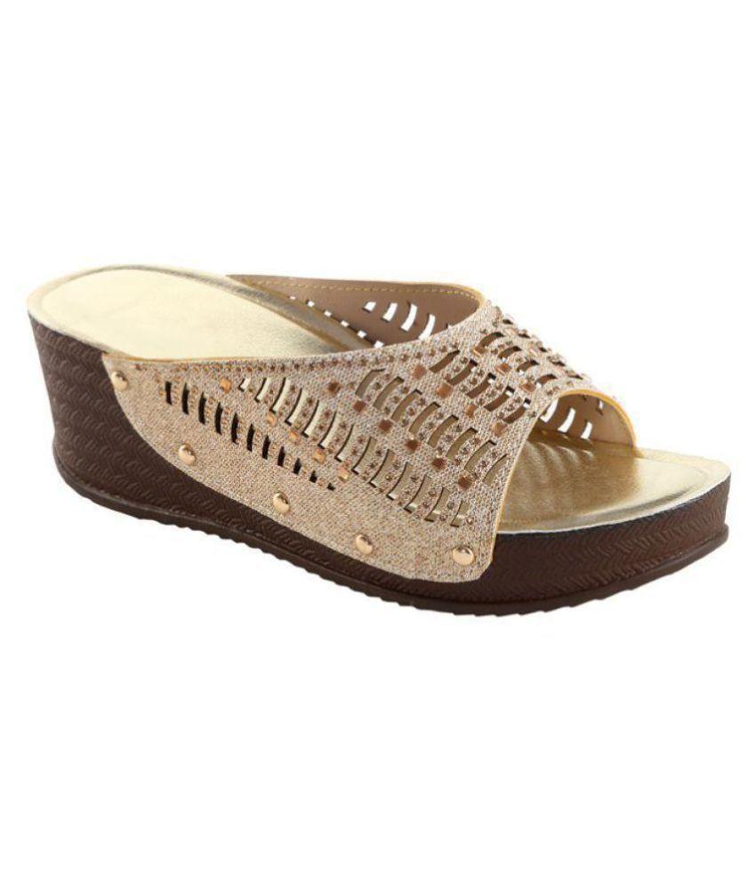 Zappy Gold Wedges Heels