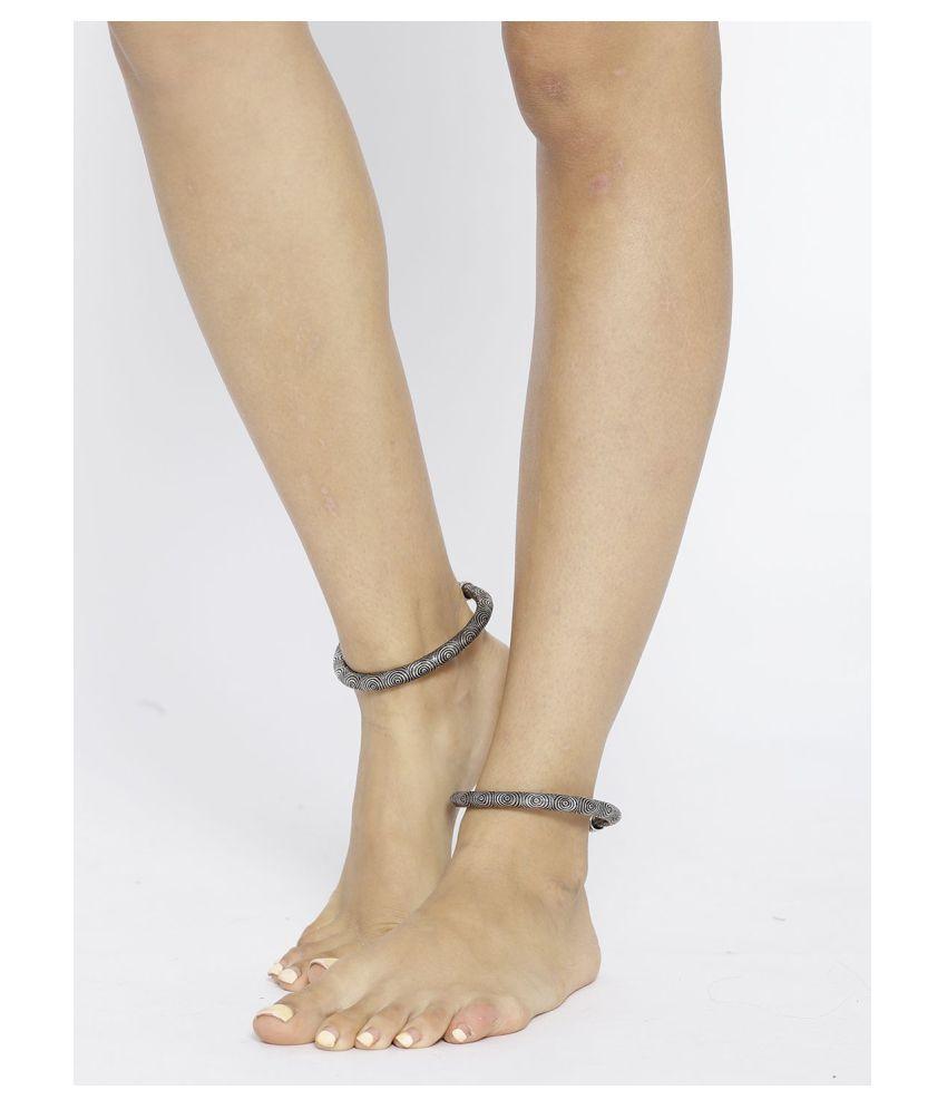 Priyassi Anklets Silver Anklet