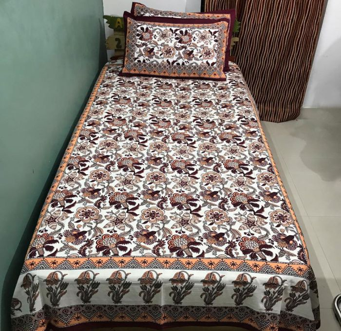 Craferia Export Cotton Single Bedsheet with 2 Pillow Covers