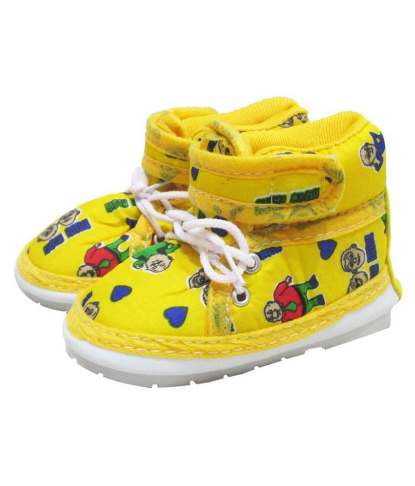 VBaby Musical Shoes with Lace Whistle Outdoor First Walking Shoes