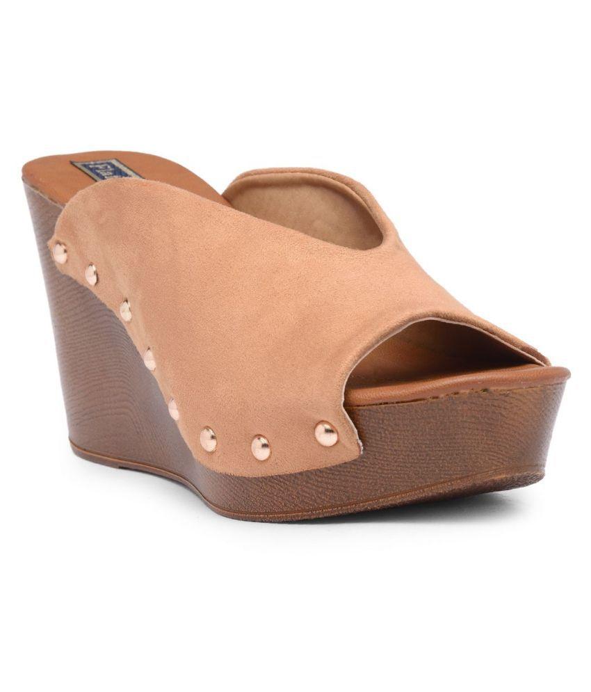 Flat N Heels Tan Wedges Heels