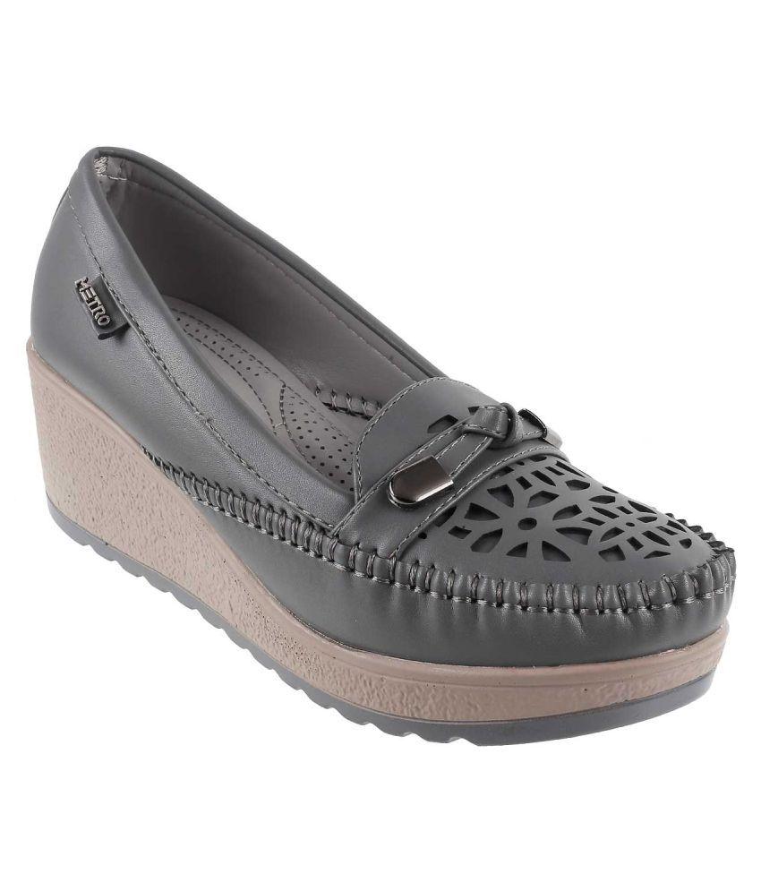 Mochi Gray Wedges Heels
