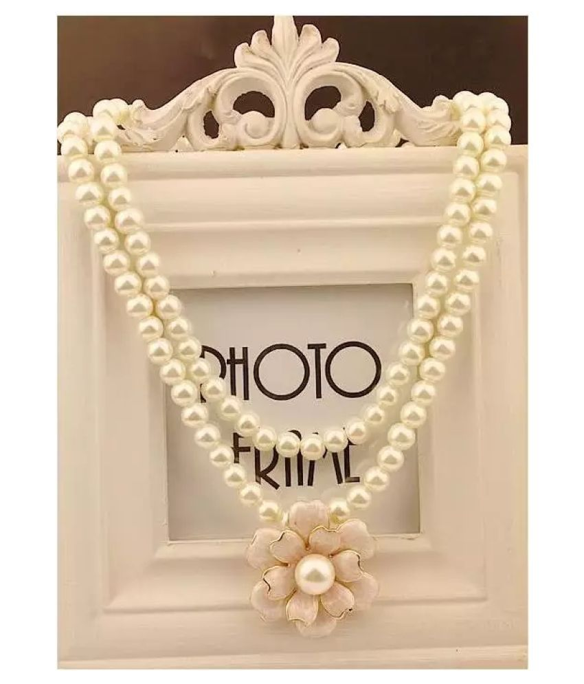 FASHION LOVER INDIA Pearls White Traditional Necklaces Set