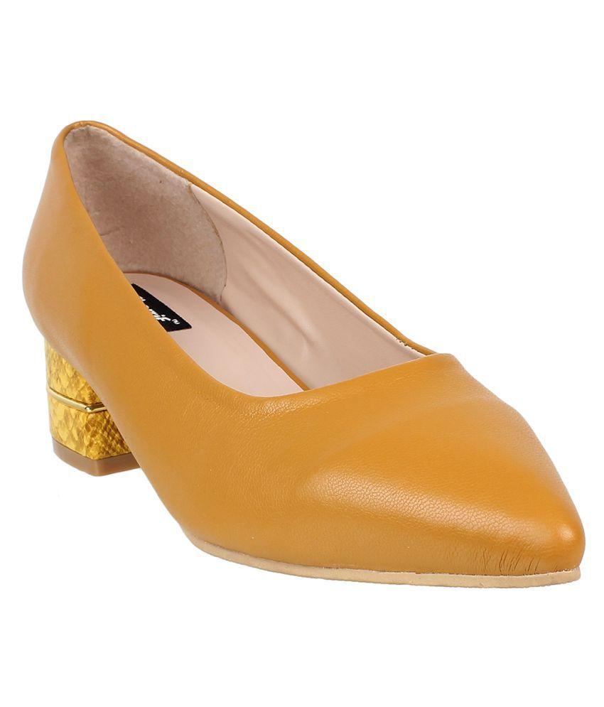 sherrif shoes Yellow Block Heels