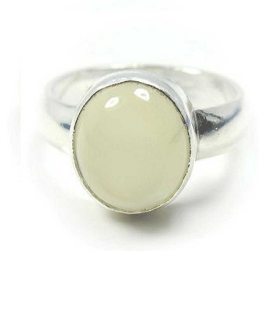 9.25 carat pure  MOONSTONE  Silver Ring by Ratan Bazaar \n
