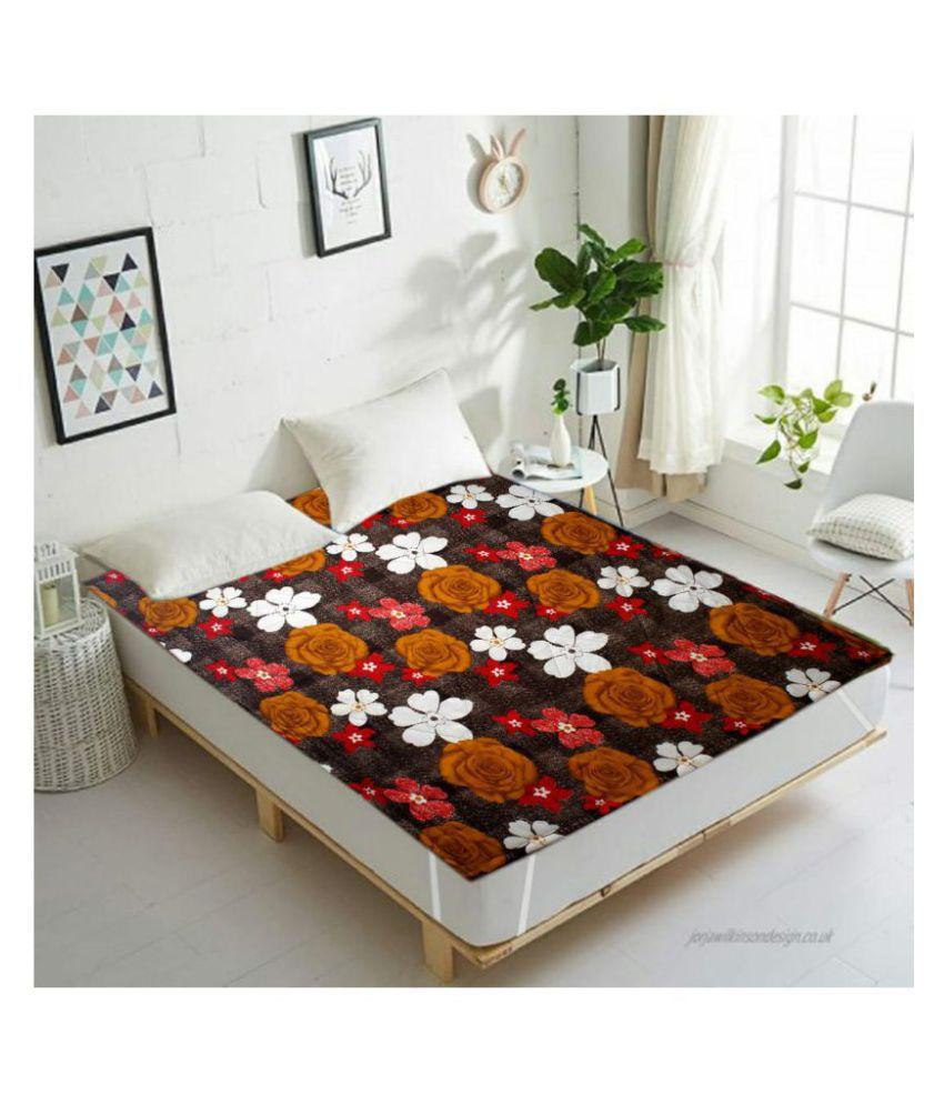 Koli collections Multi-Colour Cotton Mattress Protector