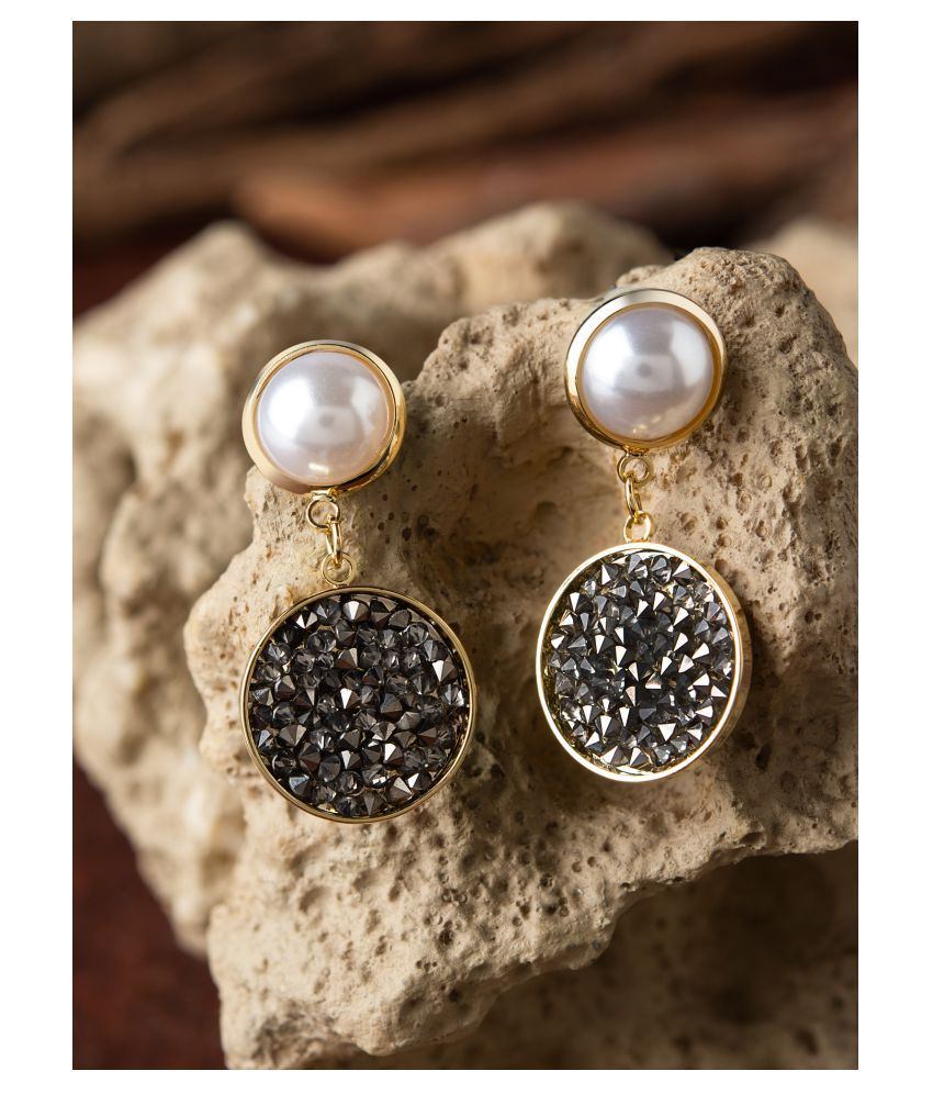 E2O Quirky Silver With White Peral Embellished Drop Earring Women'S