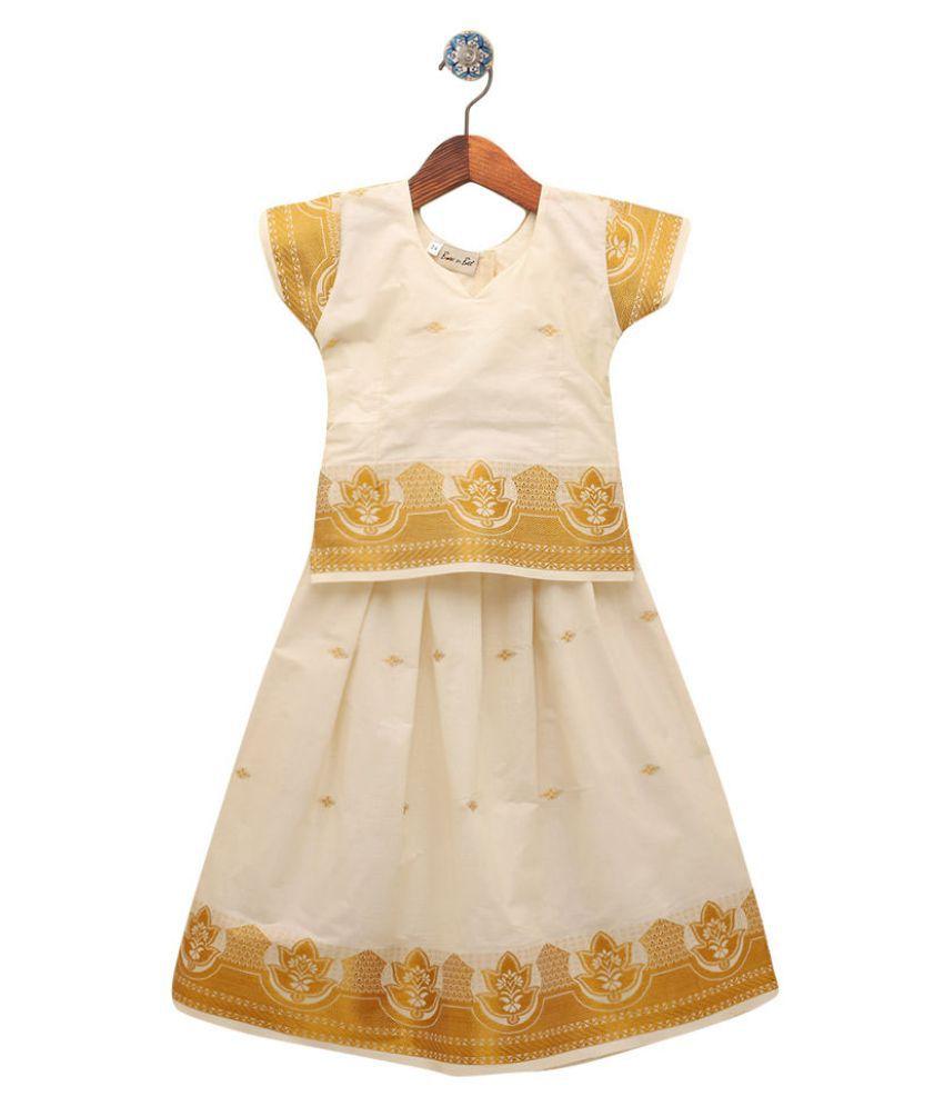 Hopscotch Girls Paper Silk Half Sleeve South Indian Pattu Pavadai Sattai Set Sattai Set Lehenga in White Color For Ages 6-7 Years (911311)